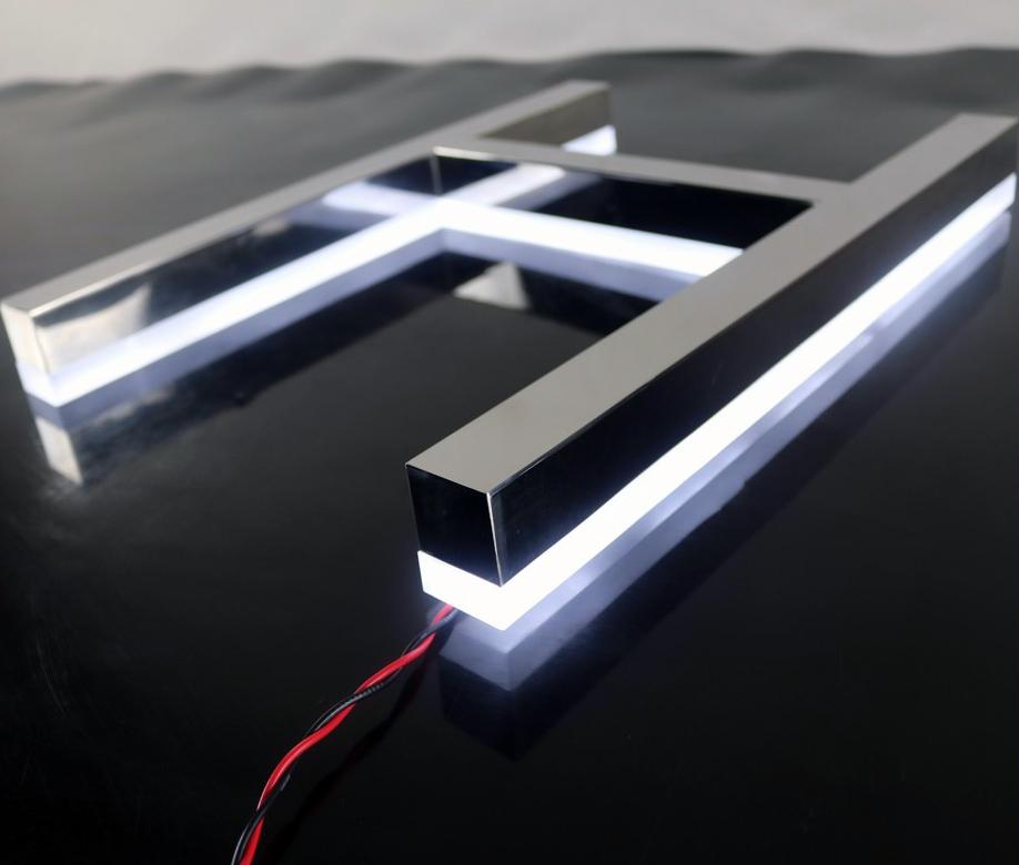 Turbo Spiegel LED BUCHSTABEN von hinten beleuchtet - art+ AY65
